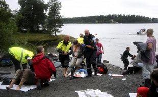 Le gouvernement norvégien a reçu un appel téléphonique menaçant, présentant d'intrigantes similitudes avec les attaques du 22 juillet, quelques mois seulement avant le carnage mais la police n'avait pas été alertée, a rapporté vendredi la radio publique NRK.