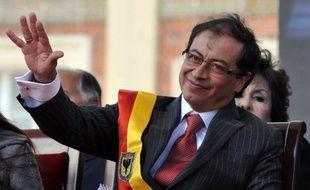 L'ancien sénateur et guérillero Gustavo Petro a pris ce week-end ses fonctions à la mairie de Bogota, auxquelles il a été promu lors des élections municipales du mois d'octobre, et annoncé que le port d'armes serait désormais interdit dans la capitale colombienne.