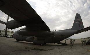 Un avion de transport de fret militaire algérien, qui venait de Paris et regagnait l'Algérie, s'est écrasé vendredi vers 16H00 en Lozère sur la commune de Saint-Germain-du-Teil, a-t-on appris de sources concordantes.