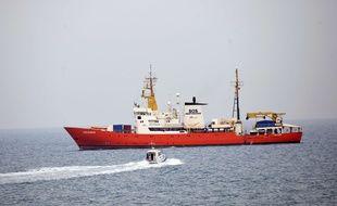 Le navire Aquarius, le 1er juin 2018 au large des côtes maltaises et italiennes.