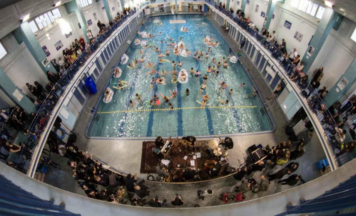 Rennes les bars en trans s aventurent hors des troquets Horaire piscine st georges rennes