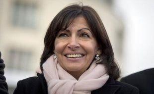 La candidate du PS à la mairie de Paris Anne Hidalgo, invitée des Echos TV mercredi, s'est dite favorable à la réouverture de l'épineux dossier du travail le dimanche.