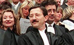 Le juge Jean-Michel Gentil lors d'une manifestation devant le Palais de justice de Paris en 1998