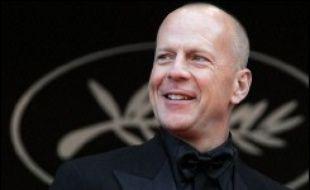"""Le quatrième film """"Die hard"""", les aventures du policier new-yorkais musclé et bourru John McClane, sortira fin juin 2007 en Amérique du nord avec à nouveau Bruce Willis dans le rôle principal, a annoncé mercredi soir le quotidien Variety sur son site internet."""