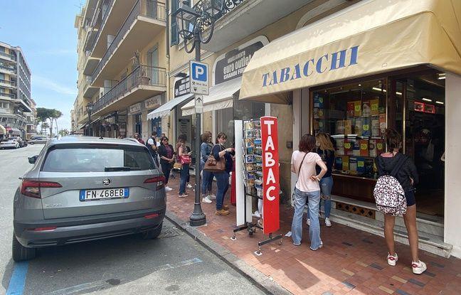 VIDEO. Déconfinement: Alcool, cigarettes, pecorino et petites culottes... Les Azuréens sont de retour en Italie