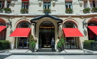 FRANCE-LUXURY- HOTEL-PLAZA-ATHENEE