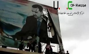 Le président syrien Bachar al-Assad estime que son régime est en passe de l'emporter face aux rebelles, même si ceux-ci ont remporté leur plus gros succès en deux ans de conflit avec la prise de la capitale de la province de Raqa et la capture de son gouverneur.