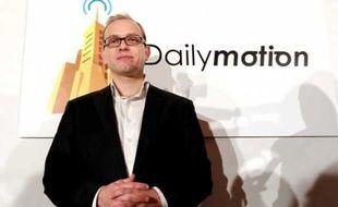 Le PDG de Dailymotion, Cédric Tournay, le 25 janvier 2011 à Paris lors d'une conférence de presse commune avec Orange.