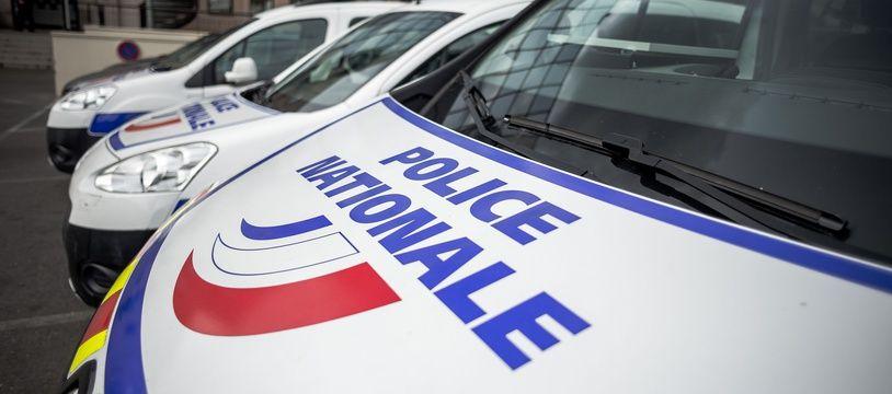 Plusieurs personnes, dont le policier, ont été intoxiquées à la suite de l'incendie.