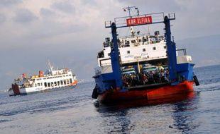 Un ferry à destination de Java  dans le port de Gilimanuk à Bali, le 17 août 2012