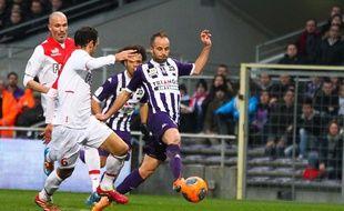 Le milieu de terrain toulousain Etienne Didot lors de la défaite du TFC contre Monaco (0-2), le 19 janvier 2014 au Stadium de Toulouse.