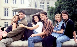 Les acteurs Jennifer Aniston, David Schwimmer, Courteney Cox, Matt LeBlanc, Lisa Kudrow et Matthew Perry