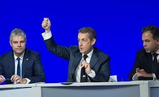 Laurent Wauquiez, Nicolas Sarkozy et Luc Chatel durant le Conseil national du parti Les Républicains, le 14 février 2016 à Paris.