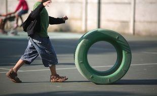 Premier de rentree scolaire dans une ecole maternelle de Toulouse  sortie de salle de classe.cour de recreation jeux jouets