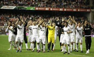 Quatre années après son dernier sacre en Liga, le Real Madrid tient enfin un nouveau titre de champion d'Espagne, remporté mercredi en faisant toujours la course en tête devant le FC Barcelone, lors de la deuxième saison de l'entraîneur portugais José Mourinho à la tête du Real.