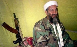 Oussama ben Laden, le 24 décembre 1998, dans le sud de l'Afghanistan.