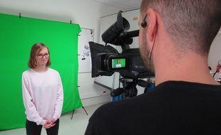 Anaïs récite son pitch pour la réalisation de son CV Vidéo.