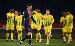 Nantes a pris l'avantage sur le PSG après la mi-temps.