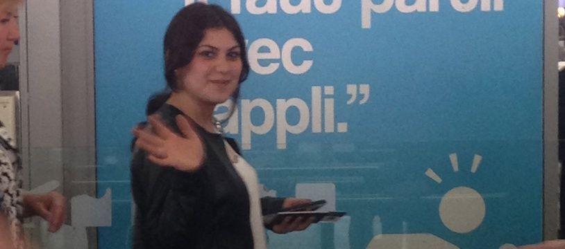 Ebru Firat, à l'aéroport Toulouse-Blagnac, juste avant son arrestation à Istanbul.
