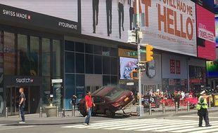 Une voiture renverse des piétons à Times Square, des blessés