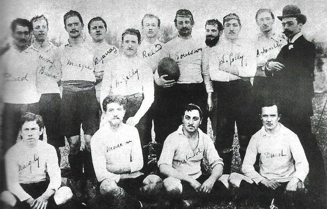 Selon Valeilles de Montmirail, cette photo est la première prise sous le nom «Olympique de Marseille», en 1900.