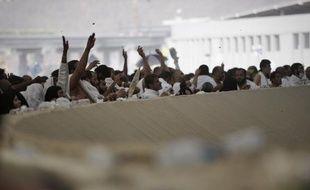 Des pèlerins musulmans sur le site de lapidation de Satan à Mina, près de La Mecque, le 4 octobre 2014