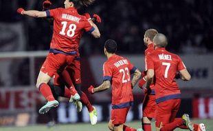 L'attaquant du PSGZlatan Ibrahimovic félicité par ses coéquipiers, le 27 octobre 2012, à Nancy.
