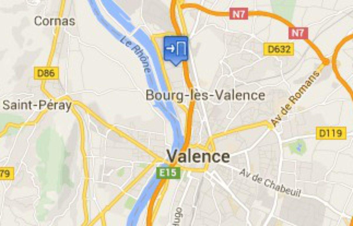 Le cimetière Pavillon à Bourg-lès-Valence, dans la Drôme, a été vandalisé dans la nuit du 12 au 13 février 2016. – capture d'écran