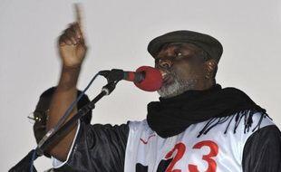 """L'opposition sénégalaise entrée """"en résistance"""" a appelé à manifester mardi à Dakar contre la candidature du chef de l'Etat Abdoulaye Wade à la présidentielle de février, confirmée par le Conseil constitutionnel qui a de nouveau refusé celle du chanteur Youssou Ndour."""