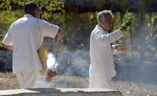 Les cérémonies marquant le début du changement de l'ère maya à l'issue d'un cycle de 5.200 ans, interprété par certains comme une prophétie de la fin du monde, ont débuté samedi soir au Mexique dans la presqu'île du Yutacan.