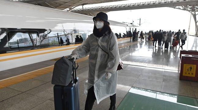 Après deux mois de bouclage, de premiers voyageurs regagnent Wuhan