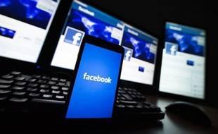 Facebook sur smartphone.