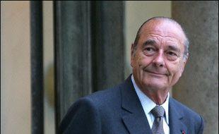 Jacques Chirac se rendra en Thaïlande puis en Inde, à partir de vendredi. Accompagné de Thierry Breton (Economie et Finances), Michèle Alliot-Marie (Défense), Philippe Douste-Blazy (Affaires étrangères), Léon Bertrand (Tourisme) et Christine Lagarde (Commerce extérieur), M. Chirac rencontrera à plusieurs reprises le roi Bhumibol Adulyadej.