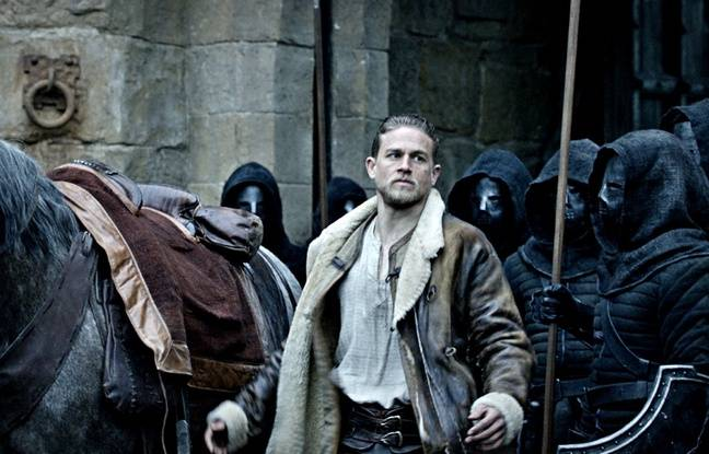 Badboys Deluxe Charlie Hunnam: Guy Ritchie Imagine Le Roi Arthur En «bad Boy Qui Se