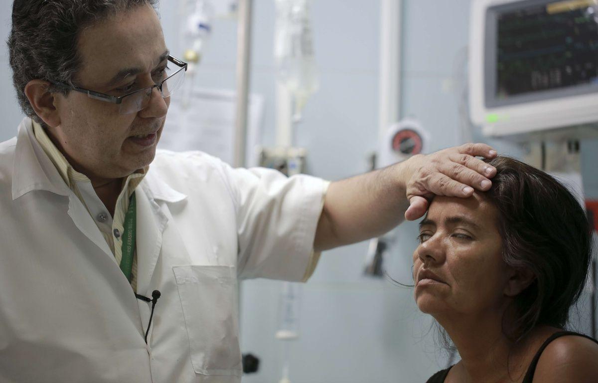 Une jeune femme colombienne diagnostiquée souffrante du syndrome de Guillain-Barré, le 11 février 2016 à l'hôpital Erasmo Meoz de Cucuta. – Ricardo Mazalan/AP/SIPA