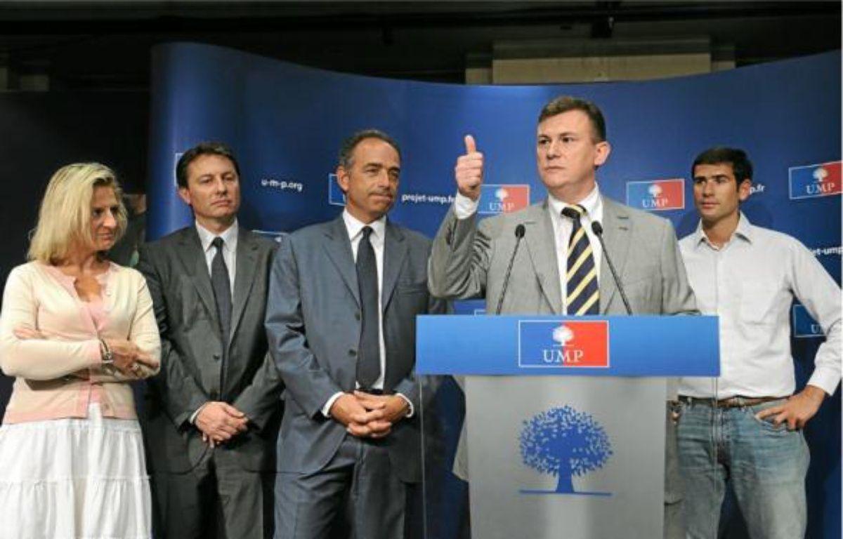 Valérie Rosso-Debord, Sébastien Huygue, Jean-François Copé, Bruno Beschizza et Benjamin Lancar (de g. à dr.). –  WITT / SIPA