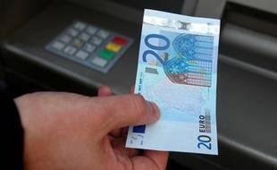 Image d'illustration d'un retrait d'argent.
