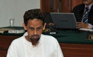 """L'islamiste Umar Patek avait minimisé sa participation dans les attentats de Bali de 2002, reconnaissant seulement avoir """"aidé à mélanger"""" cinquante kilos, sur la tonne de produits chimiques qui avaient explosé devant un bar et une boîte de nuit de la station balnéaire de Kuta."""