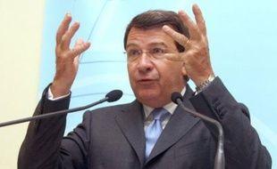 """Le ministre de l'Education Xavier Darcos a assuré que la rentrée 2008 """"se passera tout à fait normalement"""" et estimé qu'il n'y aurait """"pas de chaos"""" en dépit des 11.200 suppressions de postes, lors de sa conférence de presse de rentrée jeudi."""