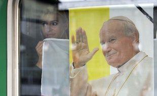 Dans un train polonais au moment du décès de Jean-Paul II en 2005. (archives)