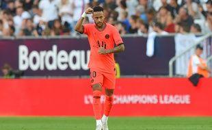 Neymar a ouvert le score sur une passe de Mbappé.