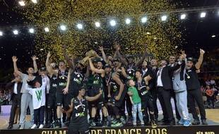 Strasbourg, le 14 juin 2016. - L'Asvel a remporté son 18e titre de champion de France en battant la SIG (77-80) à Strasbourg.
