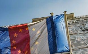 Illustration des drapeaux français et européens