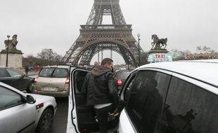 Les taxis parisiens prévoient de se mobiliser ce jeudi 21 mai boulevard Vincent-Auriol (13e) où doit se tenir une réunion sur les «forfaits taxis».