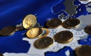 L'Italie est parvenue à lever pour 7,5 milliards d'euros d'obligations à court terme avec des taux en légère baisse, signe d'un certain optimisme des opérateurs quant à la stabilité du gouvernement.