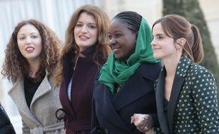 La secrétaire d'Etat à l'Egalité femmes-hommes Marlène Schiappa, entourée de la française Assia Benziane, de l'activiste mauritanienne Aïssata Lam et de l'actrice britannique Emma Watson, toutes trois membres du Comité consultatif pour l'égalité femmes-hommes.