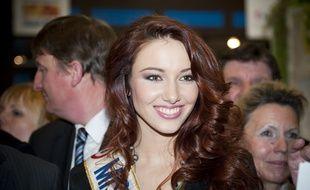 Le 29 fevrier 2012. Delphine Wespiser, Miss France 2012, inaugure le stand Alsace au salon de l'agriculture. // Photo: V. WARTNER / 20 MINUTES