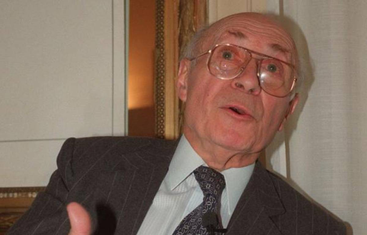 L'homme politique Henri Caillavet, qui fut une grande figure du radicalisme, ancien ministre, franc-maçon, longtemps député puis sénateur du Lot-et-Garonne, ancien eurodéputé, est mort dans la nuit de mardi à mercredi à 99 ans, a annoncé son fils à l'AFP. – Patrick Hertzog AFP