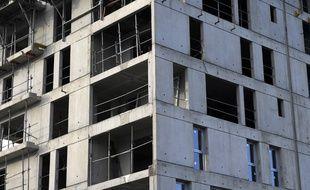 Des ascenseurs dans toutes les nouvelles constructions d'au moins trois étages.