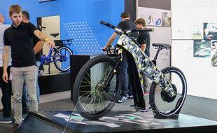 Après BMW et Hyundai plus tôt dans l'année, Skoda se lance à son tour dans la nouvelle mobilité avec cet original vélo électrique sans pédales baptisé Klement